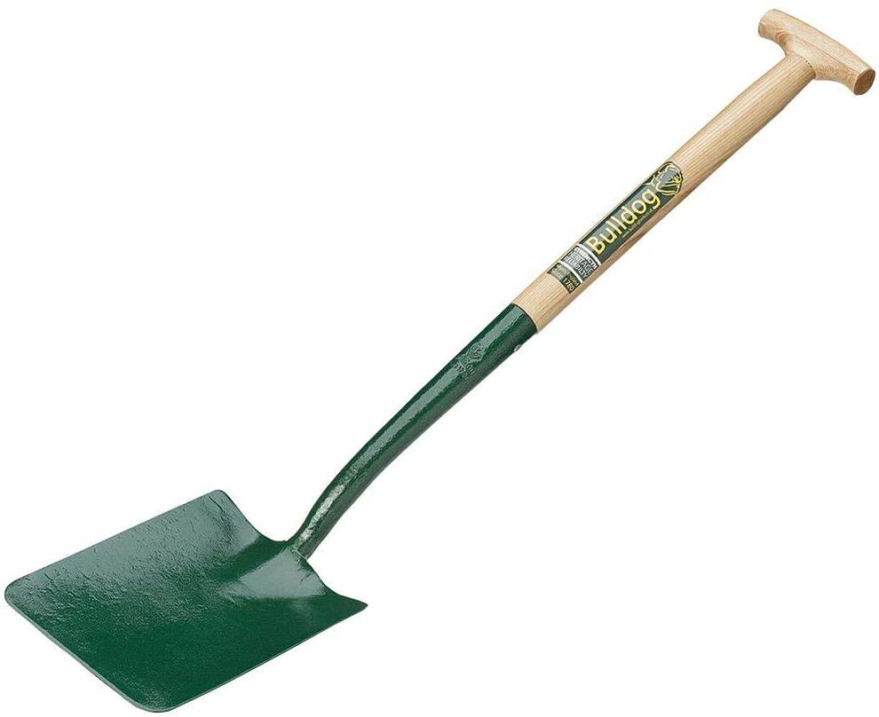 Bulldog groundworkers shovel